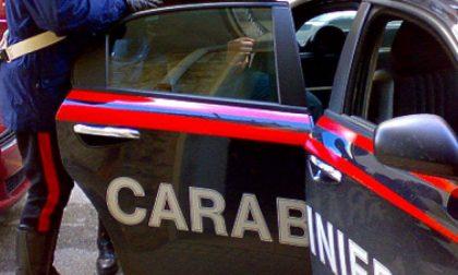 Tenta l'insano gesto e viene salvato dai carabinieri