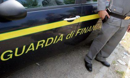 Si affrettano a raggiungere i binari a Peschiera del Garda, nella borsa un chilo di eroina
