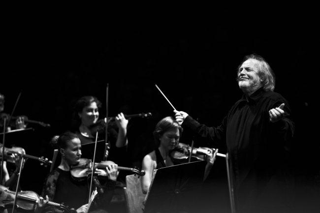 Stagione sinfonica: aprono Gustav Kuhn e Maria Radoeva