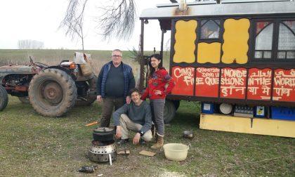 In viaggio verso l'India con il trattore