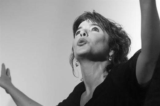 """Sarà """"La vie en rose"""" il terzo recital proposto dall'attrice Anna Paganini Bresaola."""