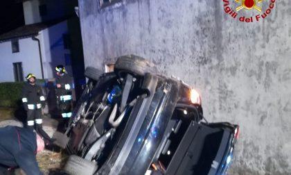 Ribaltamento nella notte a Brendola, illeso conducente