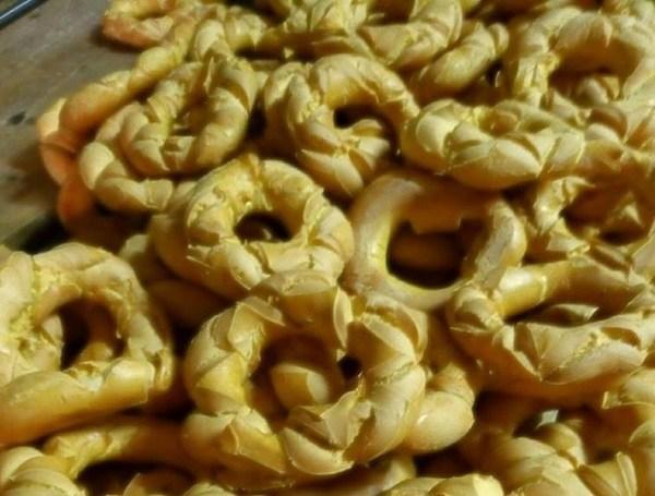 dolci tipici di Verona del periodo pasquale brassadele broè