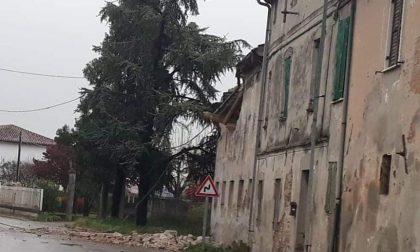 Crolla il tetto di un edificio, chiusa parte di via Roma a Oppeano