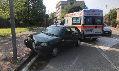 Probabile malore alla guida a Legnago auto contro palo