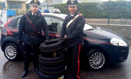 Scambia i prezzi dei pneumatici per pagarli meno arrestato a Bussolengo