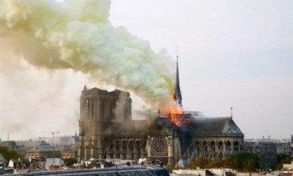 Incendio Notre Dame, il racconto di chi vive il dramma da Parigi