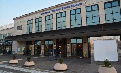 Straniero irregolare danneggia porta della stazione di Bovolone: denunciato