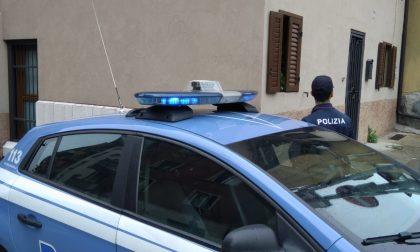 Marocchino con eroina nelle tasche cerca di rubare la pistola ad un poliziotto