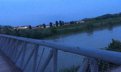 Donna tenta il suicidio a Legnago minacciando di gettarsi nell'Adige