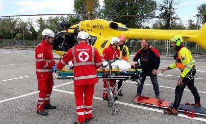Scontro tra auto e moto a Valeggio, un ferito grave