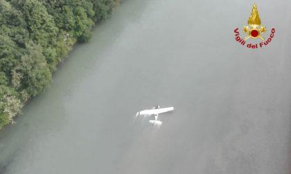 Velivolo precipita nell'Adige, due persone ferite LE IMMAGINI
