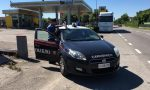 Ubriaco in motorino aggredisce i Carabinieri