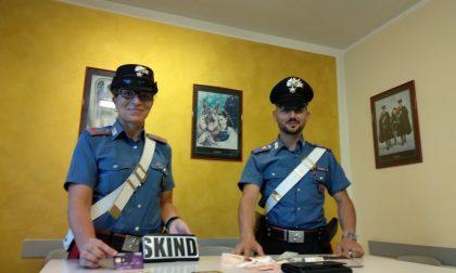 Rubavano al mercato: arrestate due borseggiatrici a Lazise