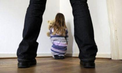 Padre pedofilo vendeva film porno in Australia, arrestato