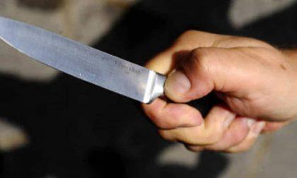 Uomo con in mano un grosso coltello si aggirava in piazza Bra