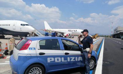 Documenti falsi in aereoporto: arrestata donna iraniana