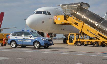 Ricercato da cinque anni, arrestato in aereoporto a Villafranca