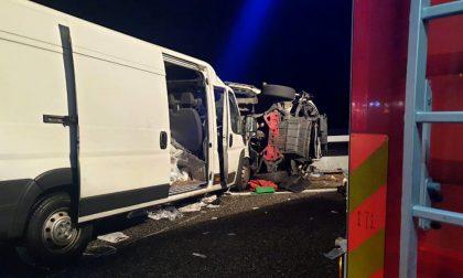 Violento scontro tra furgoni a Verona