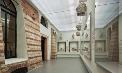 """Verona, """"Il Fascino dei vetri romani"""" rivive al museo Archeologico"""
