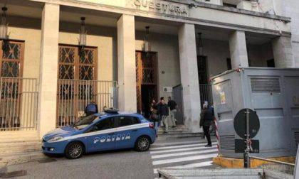 Spari in questura a Trieste, uccisi due agenti di polizia
