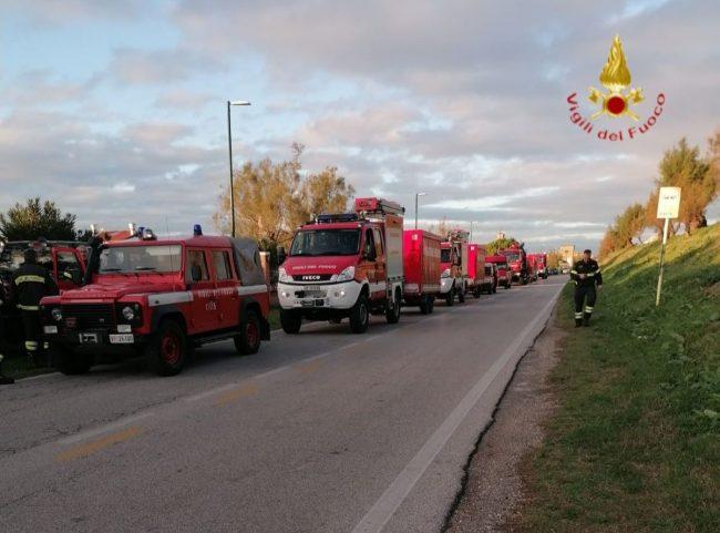 Acqua alta a Venezia, i vigili del fuoco di Verona al lavoro per fronteggiare l'emergenza FOTO e VIDEO