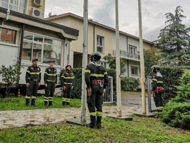 Esplosione cascina ad Alessandria, i vigili del fuoco di Verona hanno ricordato i colleghi caduti