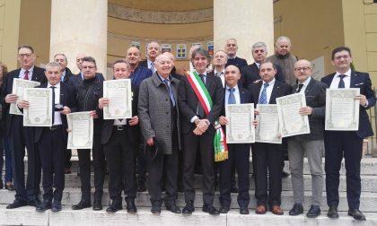 """""""Maestri del Lavoro"""" insigniti con la medaglia della città"""