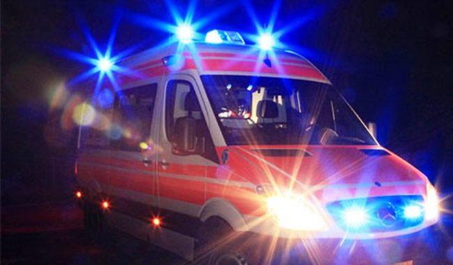 Schianto nella notte a Casaleone, auto finisce contro ostacolo: un ferito grave