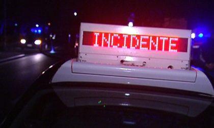 Ubriaco in sella al motociclo, 22enne guida contromano e si scontra con una macchina