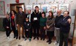 Kumbulla difensore dell'Hellas Verona riceve una targa per il suo esordio in Serie A
