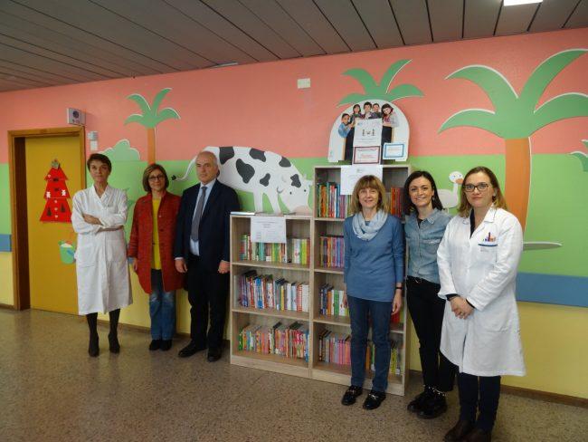 Donati oltre 2.350 volumi alle Pediatrie di Desenzano e Gavardo