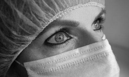 """Anziano tossisce in faccia all'infermiera domiciliare: """"Ora ho paura per me e i miei figli"""""""