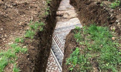Nascosta sotto le vigne la pavimentazione della Villa Romana
