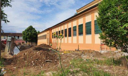 Scuola primaria Vallese: realizzazione dello scivolo esterno durante l'estate