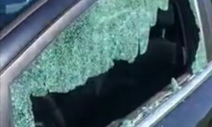 Finestrini sfondati, l'amara scoperta di chi aveva parcheggiato l'auto sull'argine