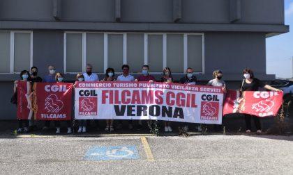 """Lavoratori davanti al Mercatone Uno di Legnago lanciano un grido: """"Fateci lavorare"""" FOTO E VIDEO"""