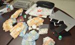 Nascondevano la cocaina nella siepe per poi venderla, arrestati fratelli pusher