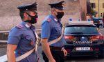Ubriaco si scaglia contro i sanitari e ferisce con calci e pugni i Carabinieri