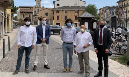 """Allagamenti Veronetta: residenti e commercianti uniti nella raccolta firme, Ferrari: """"Intervenire subito"""""""