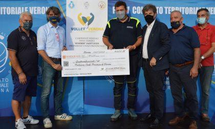 Fipav Verona e le società di pallavolo hanno consegnato 4.600 euro alla Protezione Civile