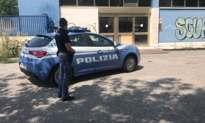 Finge di essere uno spacciatore e fugge con tre banconote da 200 euro, arrestato