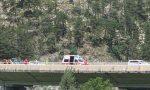 Tragedia sull'A23: perde il controllo della moto e si schianta contro il guard rail, morto 69enne veronese