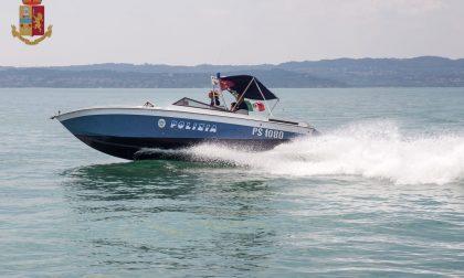 Tragedia a Peschiera: escono per pescare ma la barca affonda, morto un 77enne