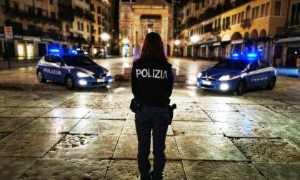 Lite tra adolescenti in Piazza Erbe: 17enne si rifiuta di identificarsi e insulta gli agenti
