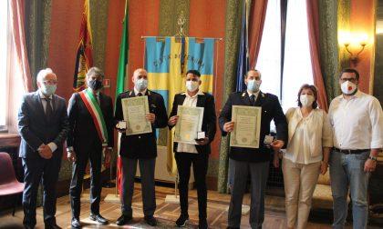 Premiati agenti e cameriere che hanno tentato di salvare l'uomo che si era gettato nell'Adige FOTO
