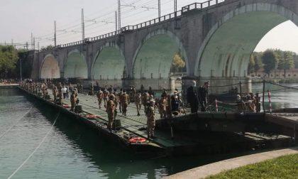 """Esercitazione """"Argo 2020"""", una via di fuga per i cittadini sul Mincio con un ponte galleggiante – Gallery"""