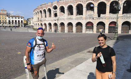 L'atleta paralimpico Andrea Devicenzi fa tappa a Verona, 900 chilometri della Via Postumia – FOTO E VIDEO