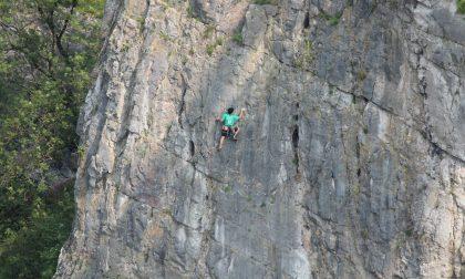 Freeclimber cade da 15 metri in falesia, attimi di paura per un 30enne