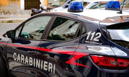 Minorenne minacciato con un coltello e derubato in centro a Verona